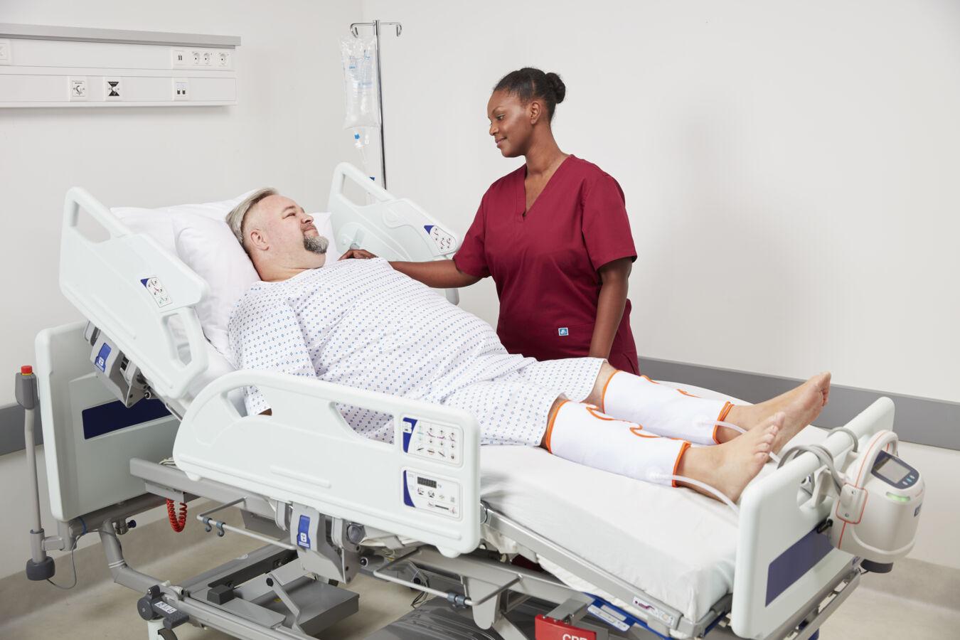 Pourquoi les soins intensifs et les patients COVID-19 sont-ils vulnérables à la thromboembolie veineuse (TEV) ?